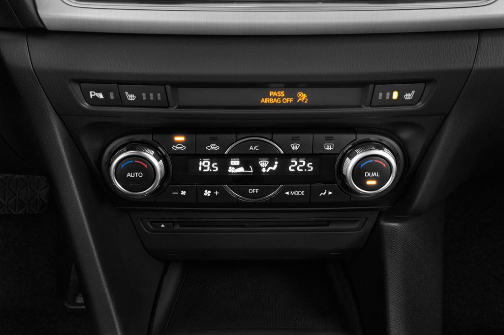 Mazda 3 Sports-Line Kompaktklasse (2013 - heute) 4 Türen Temperatur und Klimaanlage