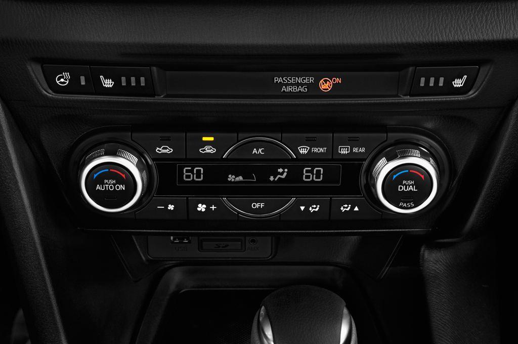 Mazda 3 Center-Line Kompaktklasse (2013 - heute) 4 Türen Temperatur und Klimaanlage