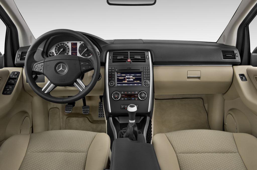 Mercedes-Benz B-Klasse - Van (2005 - 2011) 5 Türen Cockpit und Innenraum