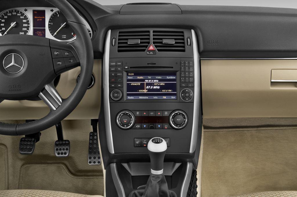 Mercedes-Benz B-Klasse - Van (2005 - 2011) 5 Türen Mittelkonsole
