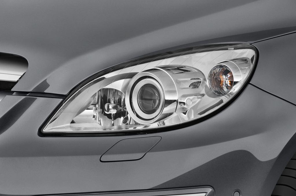 Mercedes-Benz B-Klasse - Van (2005 - 2011) 5 Türen Scheinwerfer