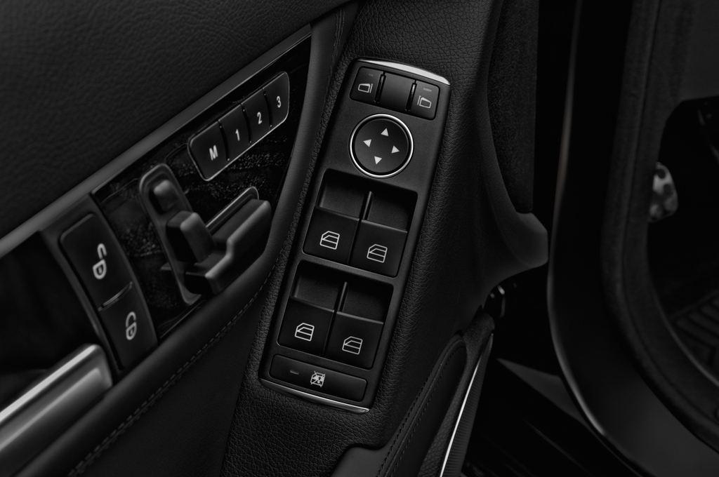 Mercedes-Benz C-Klasse AMG Limousine (2007 - 2013) 4 Türen Bedienungselemente Tür