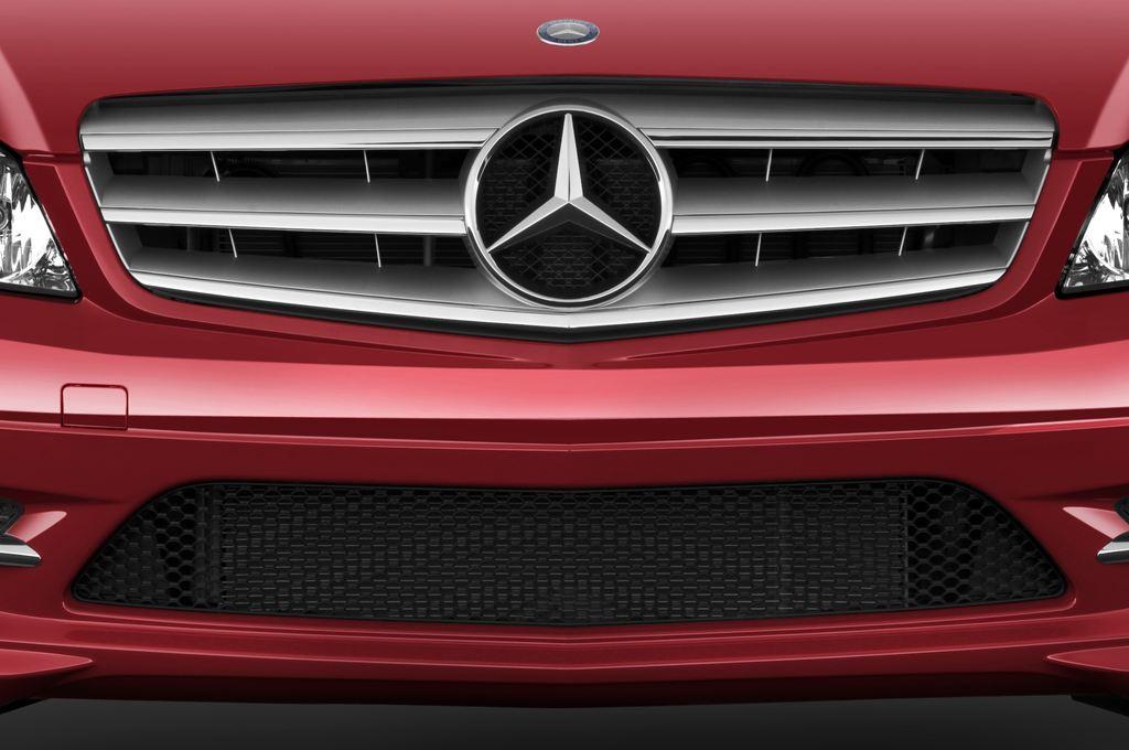 Mercedes-Benz C-Klasse Avantgarde Limousine (2007 - 2013) 4 Türen Kühlergrill und Scheinwerfer