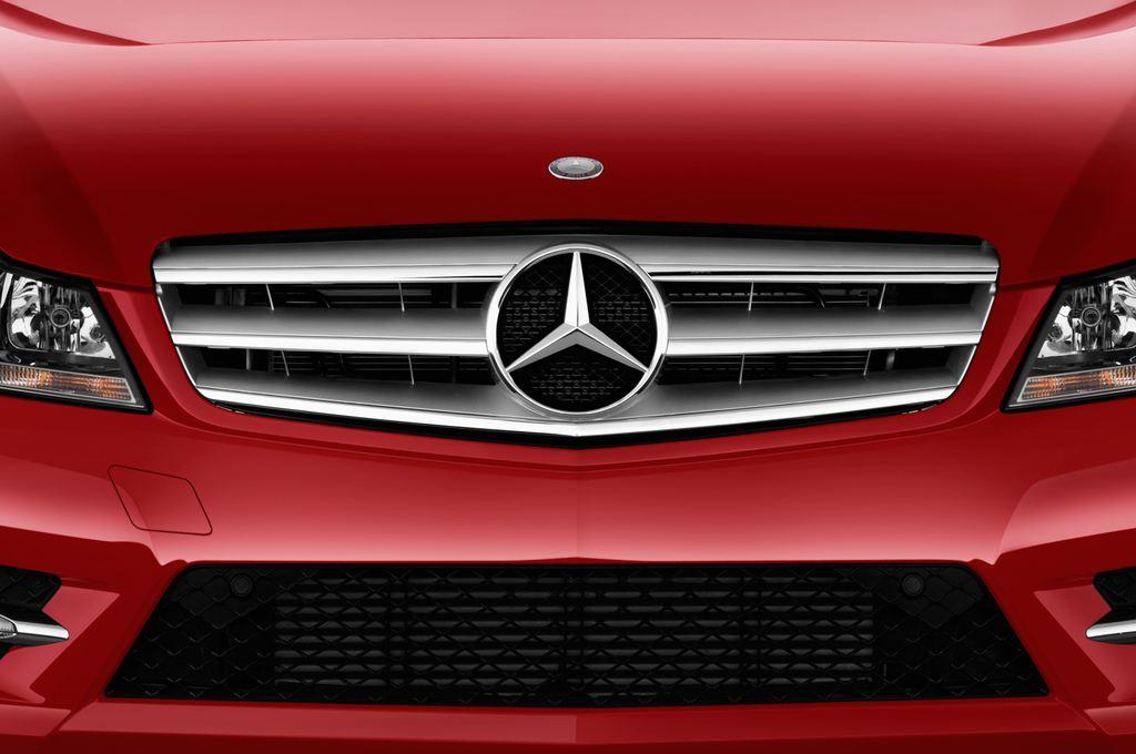 Mercedes-Benz C-Klasse Sport Limousine (2007 - 2013) 4 Türen Kühlergrill und Scheinwerfer