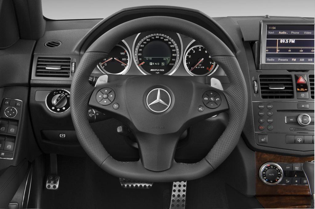 Mercedes-Benz C-Klasse AMG Limousine (2007 - 2013) 4 Türen Lenkrad