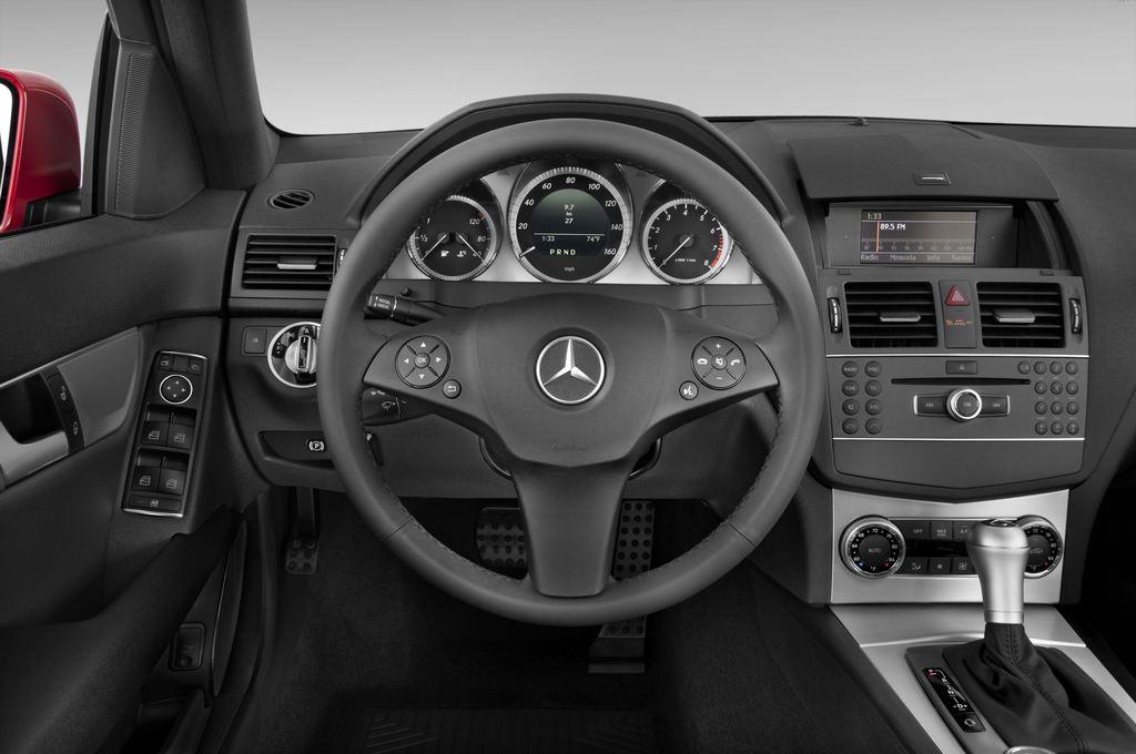Mercedes-Benz C-Klasse Avantgarde Limousine (2007 - 2013) 4 Türen Lenkrad