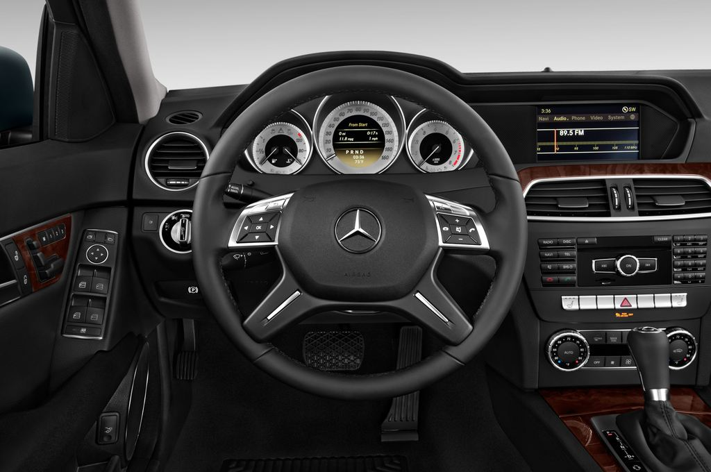 Mercedes-Benz C-Klasse Elegance Limousine (2007 - 2013) 4 Türen Lenkrad