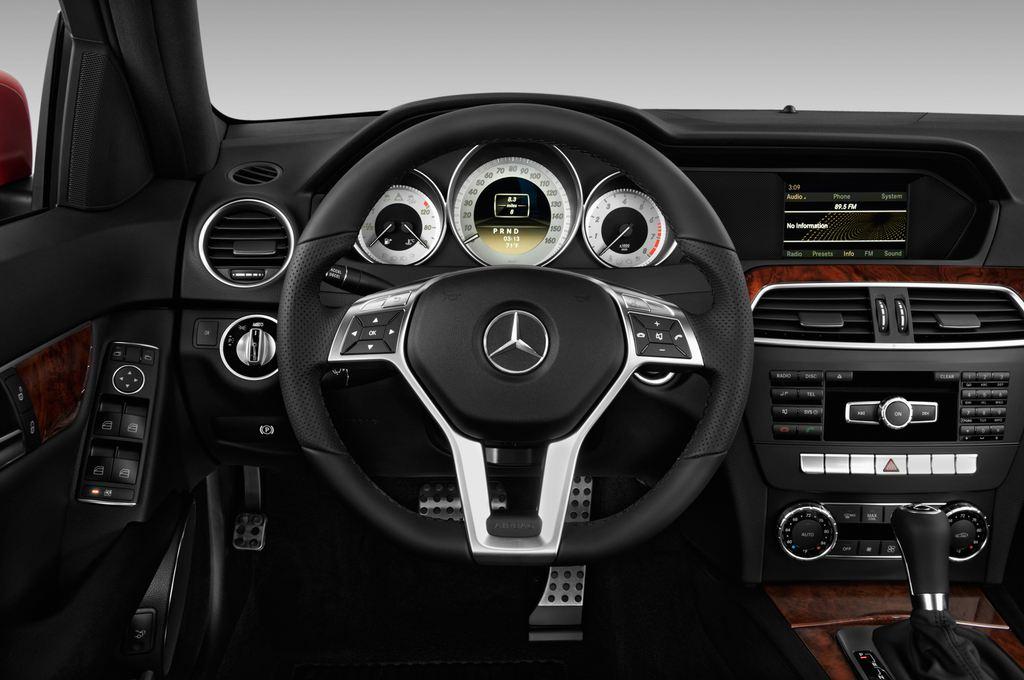 Mercedes-Benz C-Klasse Sport Limousine (2007 - 2013) 4 Türen Lenkrad