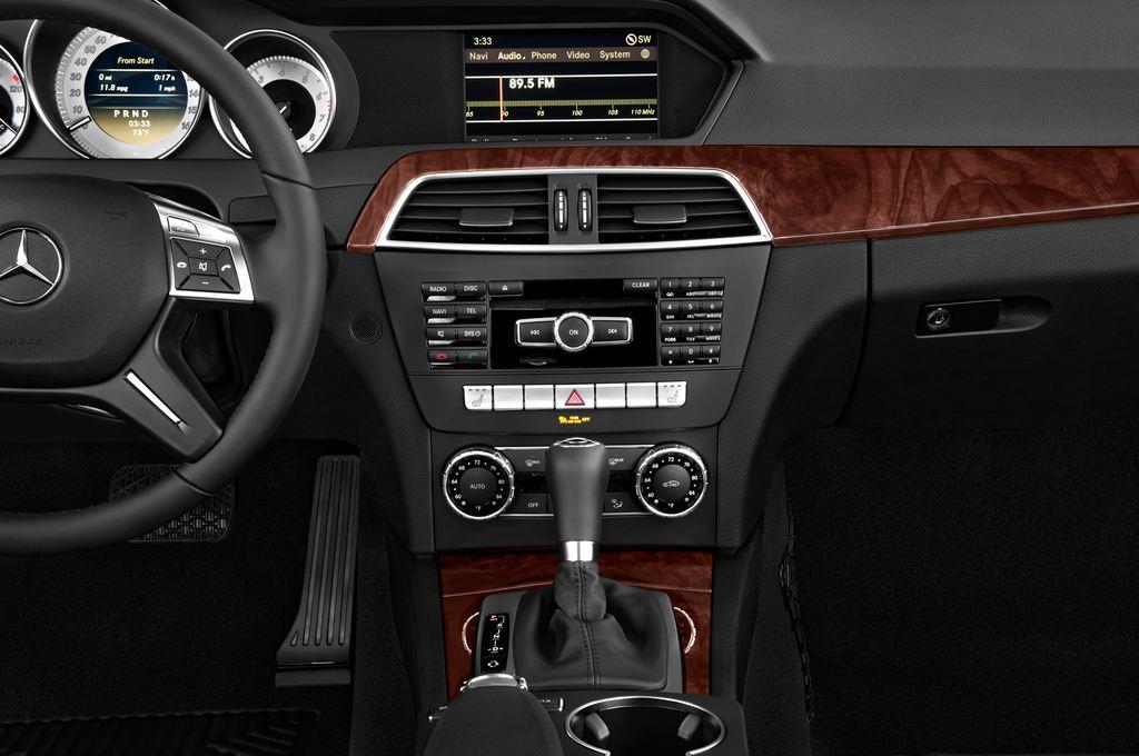 Mercedes-Benz C-Klasse Elegance Limousine (2007 - 2013) 4 Türen Mittelkonsole