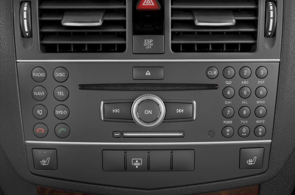 Mercedes-Benz C-Klasse AMG Limousine (2007 - 2013) 4 Türen Radio und Infotainmentsystem