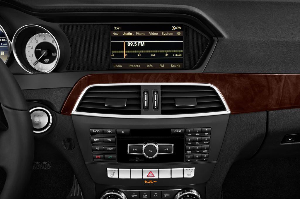 Mercedes-Benz C-Klasse Elegance Limousine (2007 - 2013) 4 Türen Radio und Infotainmentsystem