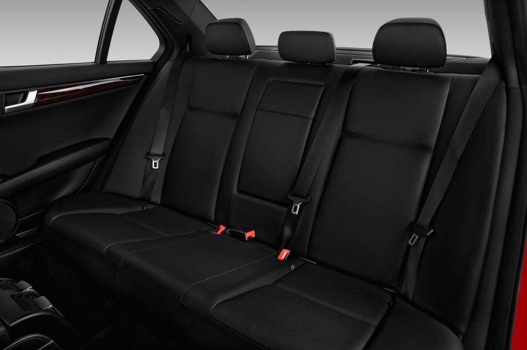 Mercedes-Benz C-Klasse Sport Limousine (2007 - 2013) 4 Türen Rücksitze