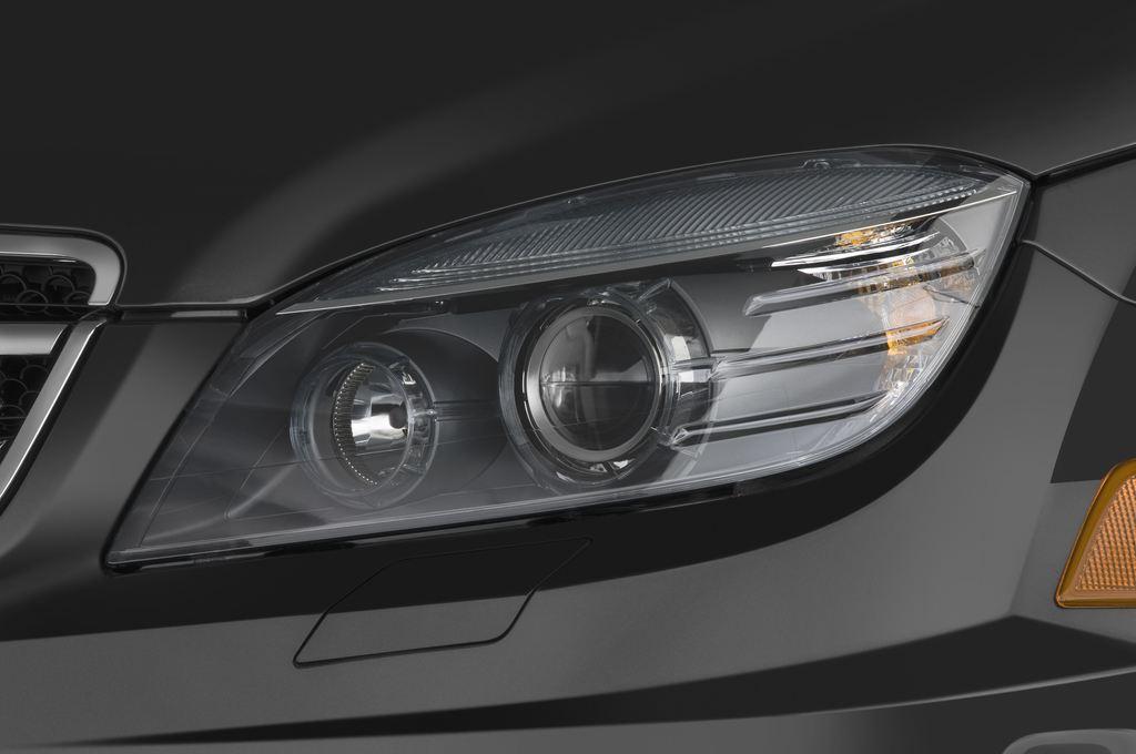 Mercedes-Benz C-Klasse AMG Limousine (2007 - 2013) 4 Türen Scheinwerfer