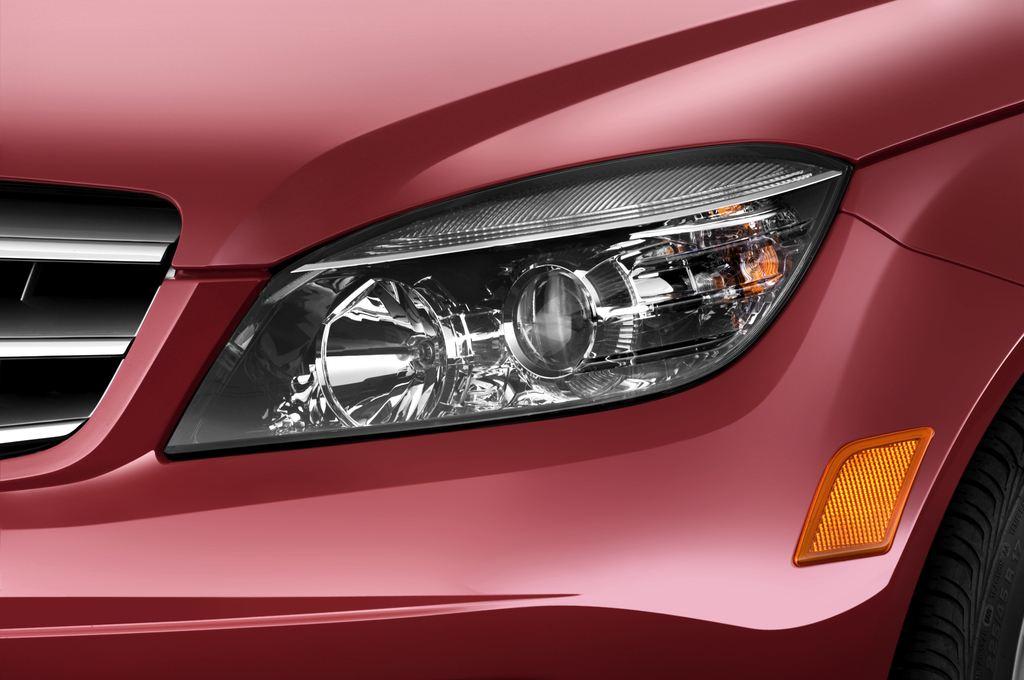 Mercedes-Benz C-Klasse Avantgarde Limousine (2007 - 2013) 4 Türen Scheinwerfer