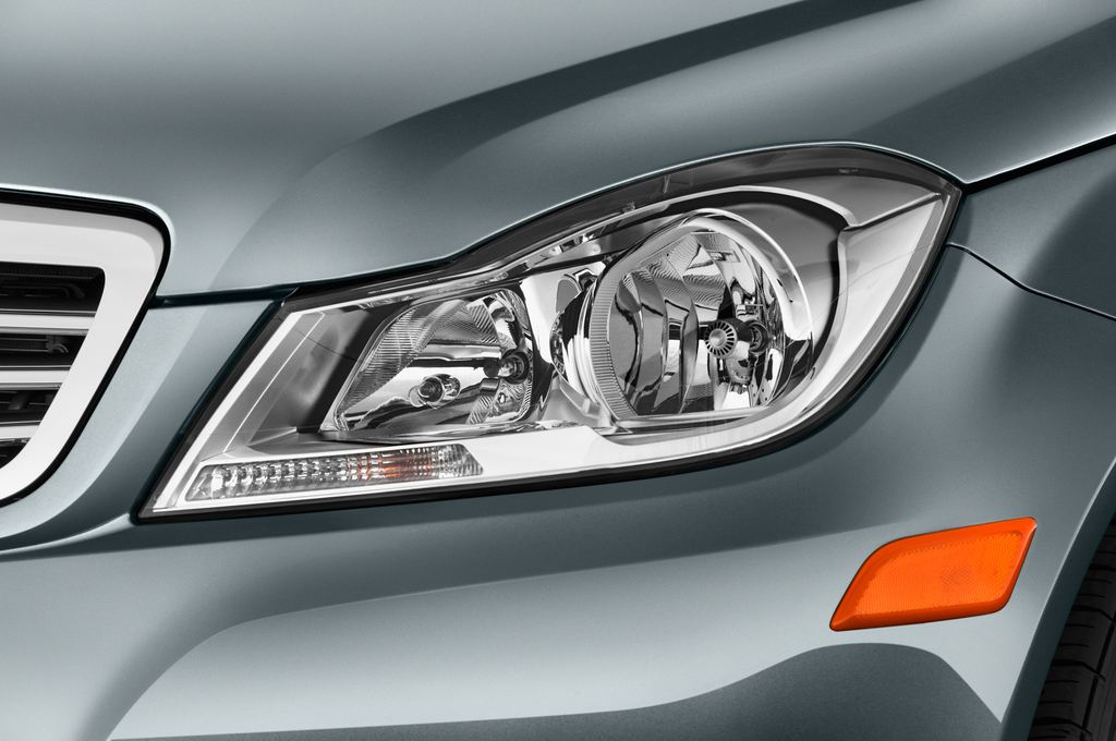 Mercedes-Benz C-Klasse Elegance Limousine (2007 - 2013) 4 Türen Scheinwerfer