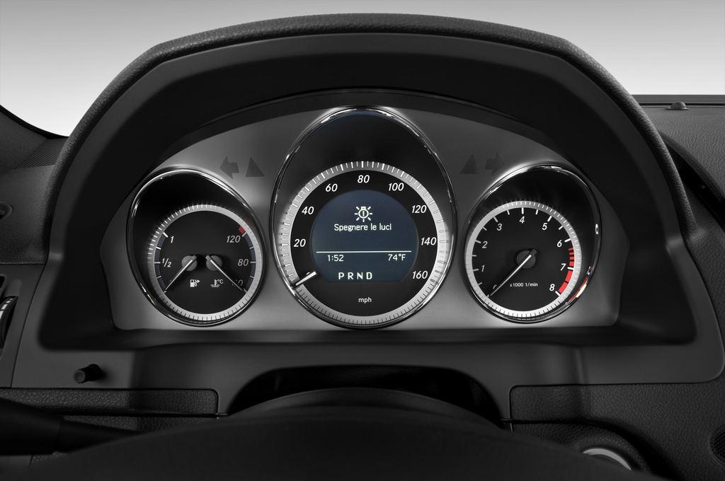 Mercedes-Benz C-Klasse Avantgarde Limousine (2007 - 2013) 4 Türen Tacho und Fahrerinstrumente