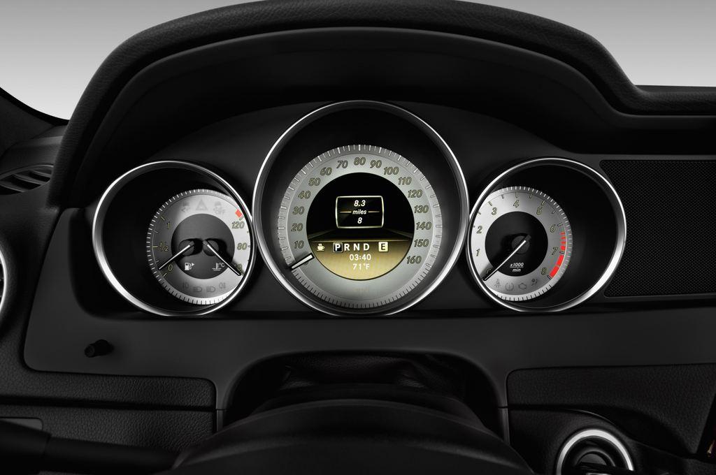 Mercedes-Benz C-Klasse Sport Limousine (2007 - 2013) 4 Türen Tacho und Fahrerinstrumente