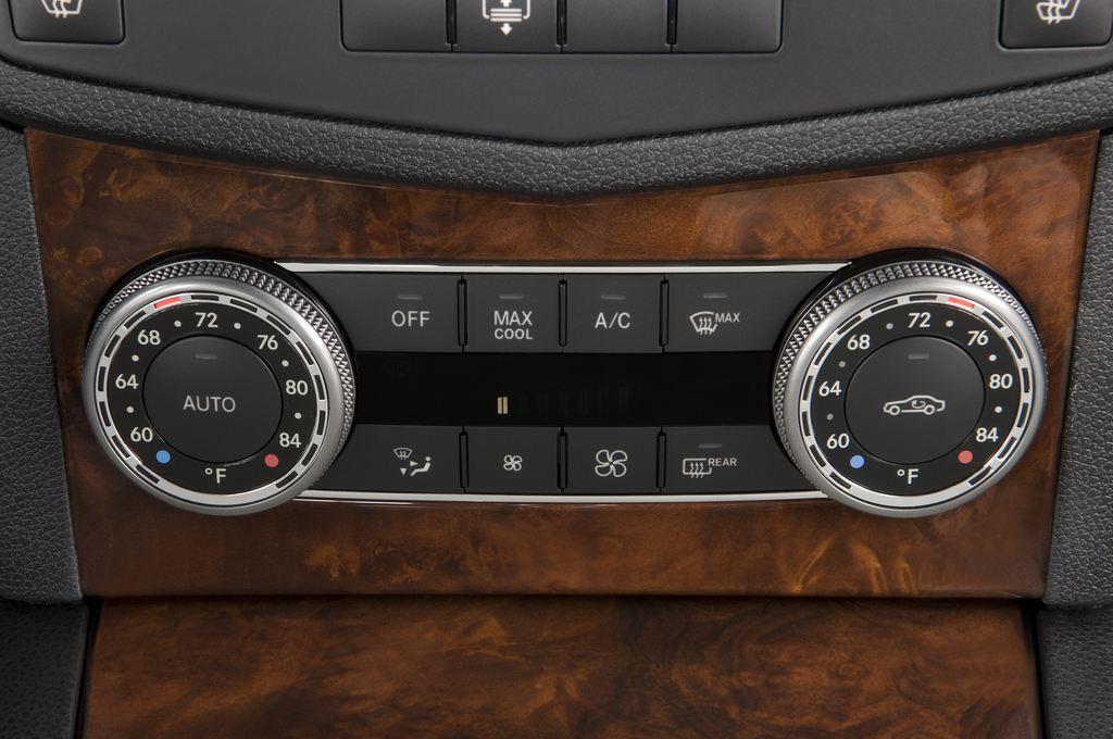 Mercedes-Benz C-Klasse AMG Limousine (2007 - 2013) 4 Türen Temperatur und Klimaanlage