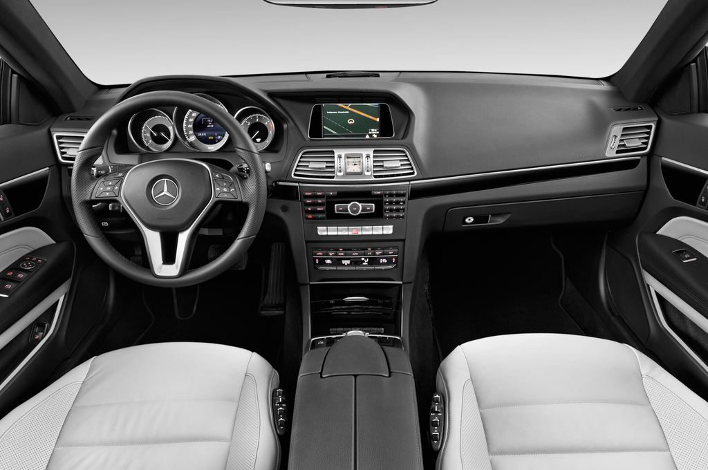 Mercedes-Benz E-Klasse - Coupé (2009 - 2016) 2 Türen Cockpit und Innenraum