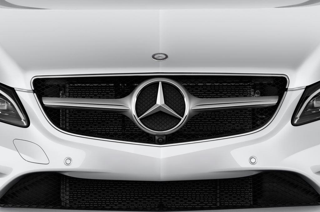 Mercedes-Benz E-Klasse - Coupé (2009 - 2016) 2 Türen Kühlergrill und Scheinwerfer
