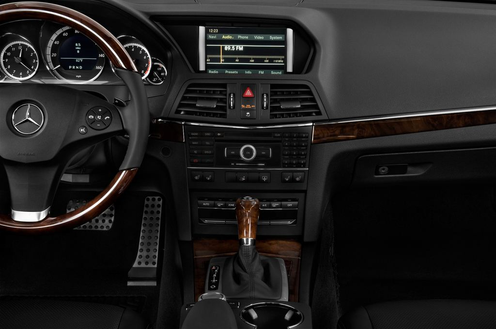 Mercedes-Benz E-Klasse - Coupé (2009 - 2016) 2 Türen Mittelkonsole