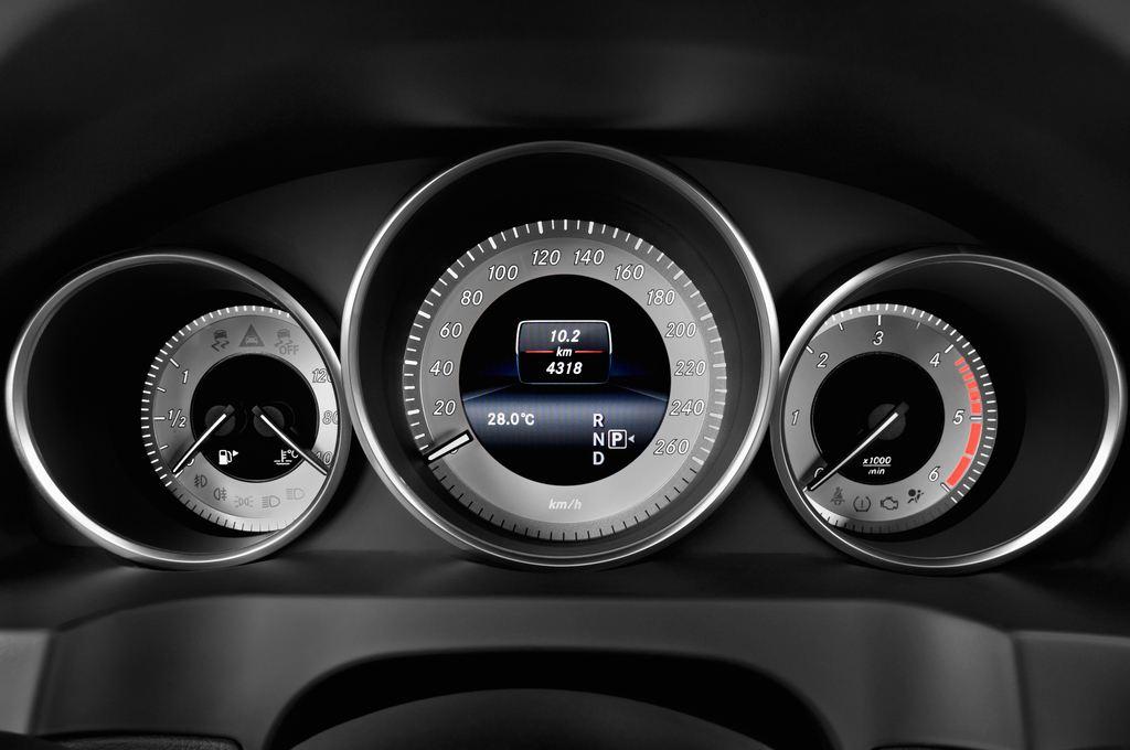 Mercedes-Benz E-Klasse - Coupé (2009 - 2016) 2 Türen Tacho und Fahrerinstrumente