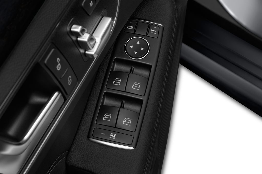 Mercedes-Benz E-Klasse Avantgarde Kombi (2009 - 2016) 5 Türen Bedienungselemente Tür
