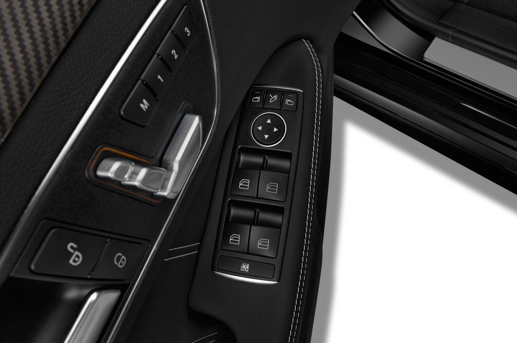 Mercedes-Benz E-Klasse AMG S Kombi (2009 - 2016) 5 Türen Bedienungselemente Tür