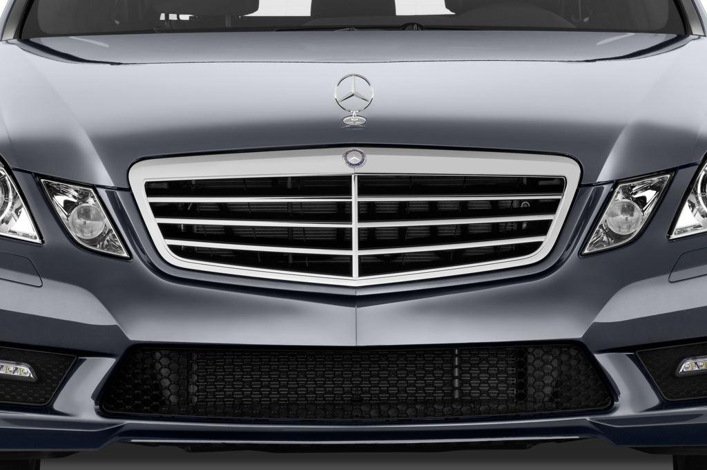 Mercedes-Benz E-Klasse 350 Kombi (2009 - 2016) 4 Türen Kühlergrill und Scheinwerfer