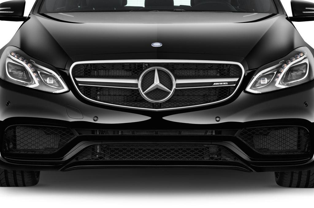 Mercedes-Benz E-Klasse AMG S Kombi (2009 - 2016) 5 Türen Kühlergrill und Scheinwerfer