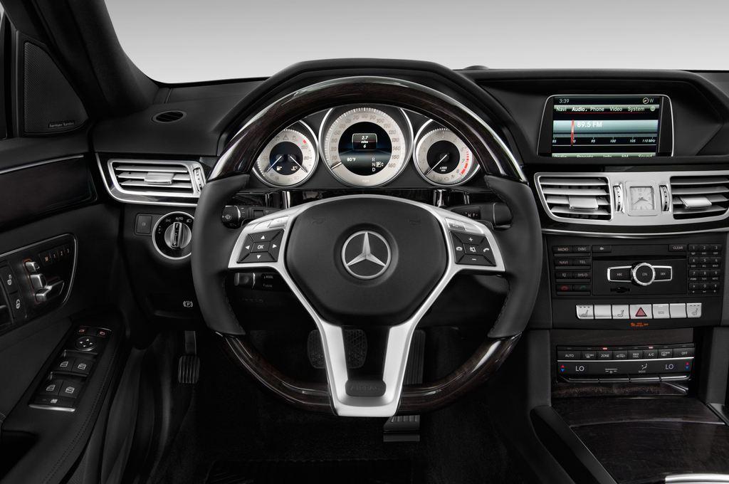 Mercedes-Benz E-Klasse Avantgarde Kombi (2009 - 2016) 5 Türen Lenkrad