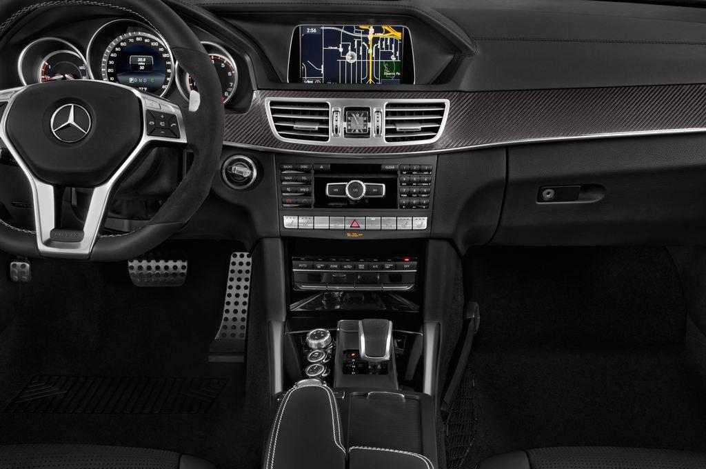 Mercedes-Benz E-Klasse AMG S Kombi (2009 - 2016) 5 Türen Mittelkonsole