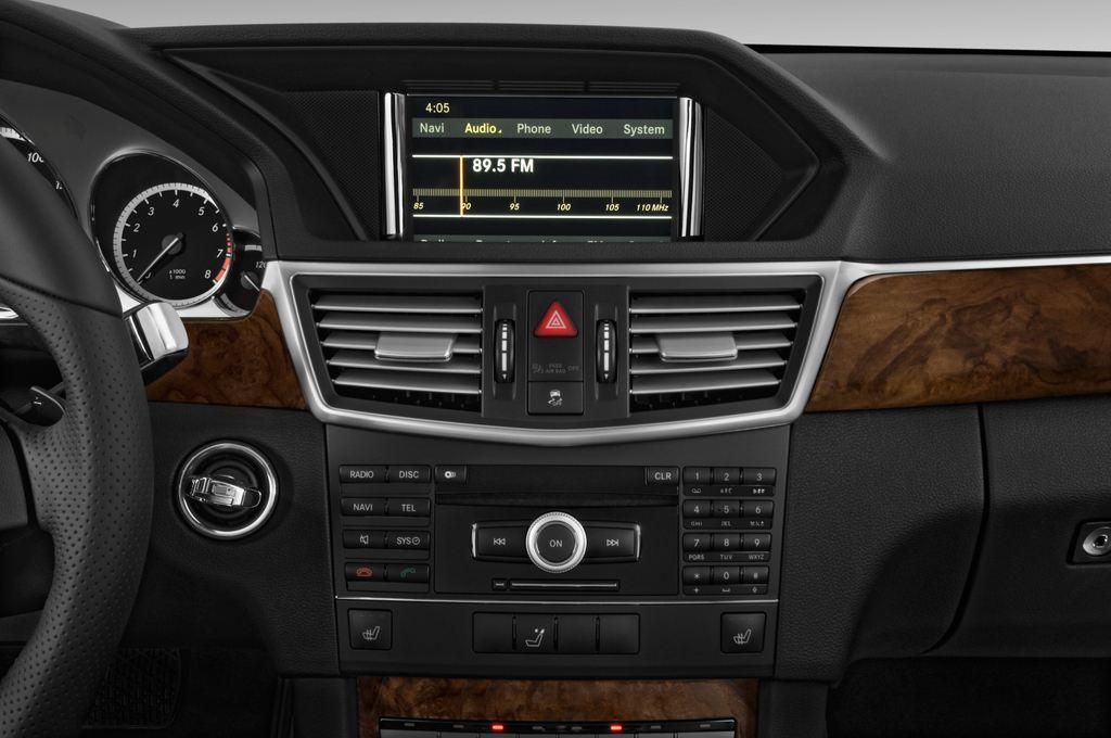 Mercedes-Benz E-Klasse 350 Kombi (2009 - 2016) 4 Türen Radio und Infotainmentsystem