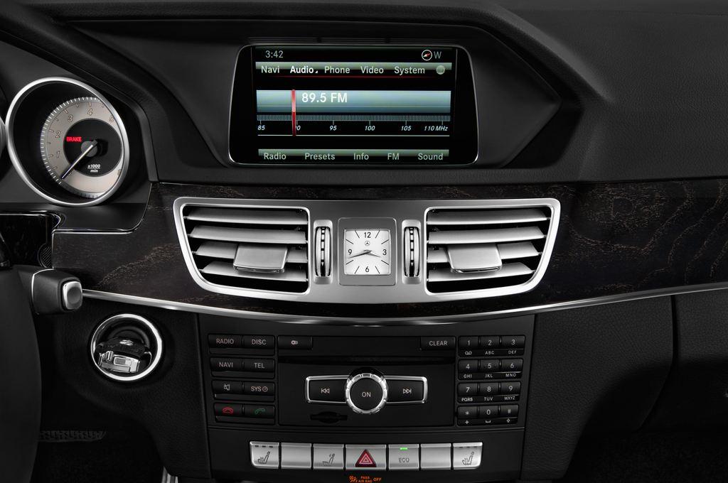 Mercedes-Benz E-Klasse Avantgarde Kombi (2009 - 2016) 5 Türen Radio und Infotainmentsystem