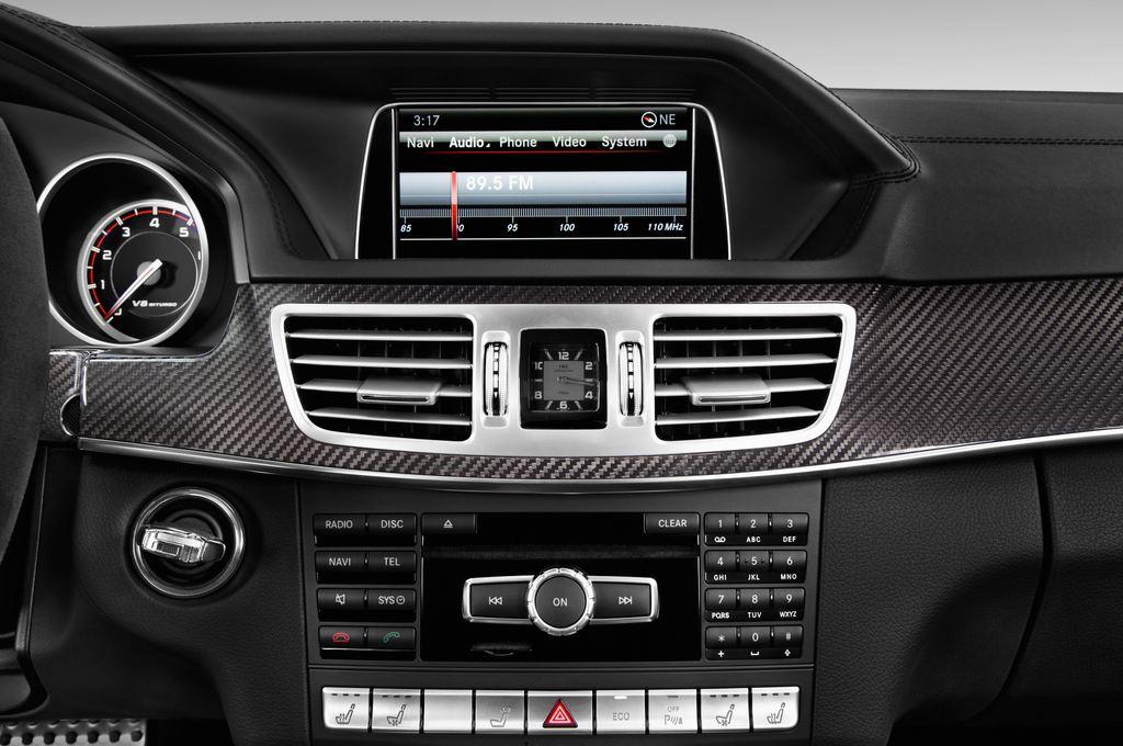 Mercedes-Benz E-Klasse AMG S Kombi (2009 - 2016) 5 Türen Radio und Infotainmentsystem