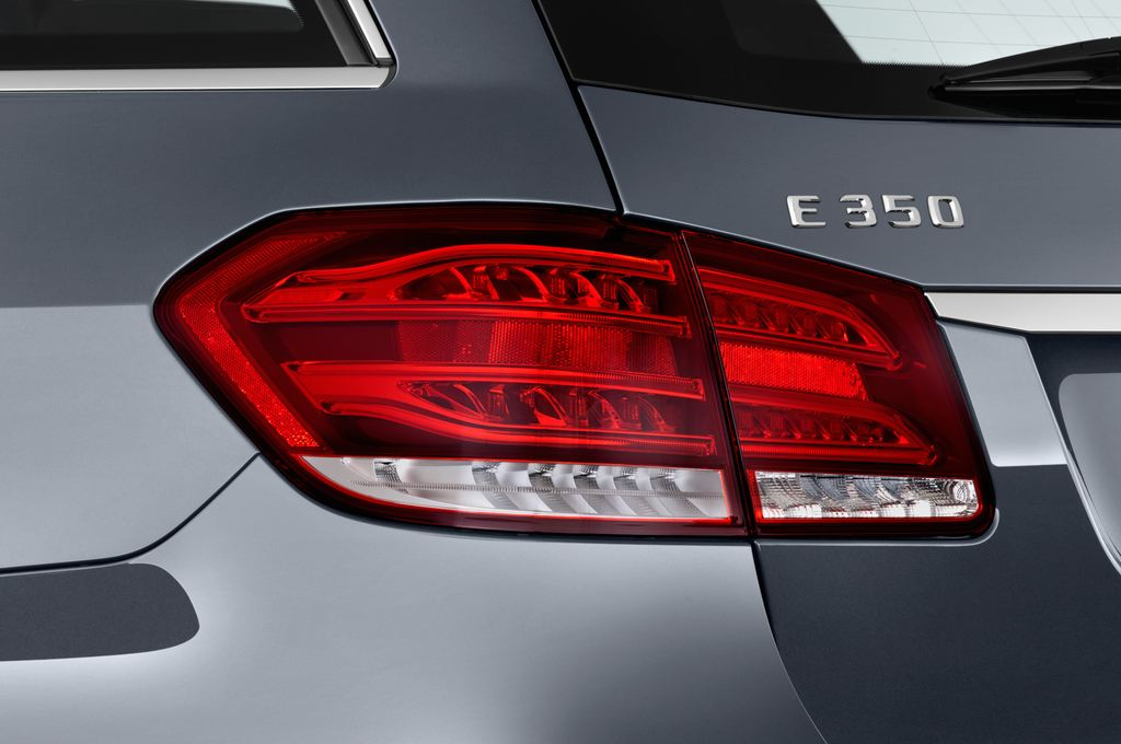 Mercedes-Benz E-Klasse Avantgarde Kombi (2009 - 2016) 5 Türen Rücklicht