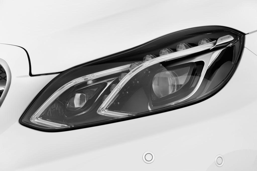 Mercedes-Benz E-Klasse Avantgarde Kombi (2009 - 2016) 5 Türen Scheinwerfer