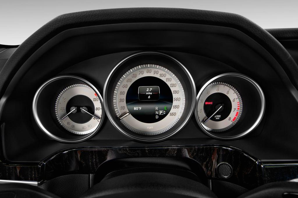 Mercedes-Benz E-Klasse Avantgarde Kombi (2009 - 2016) 5 Türen Tacho und Fahrerinstrumente