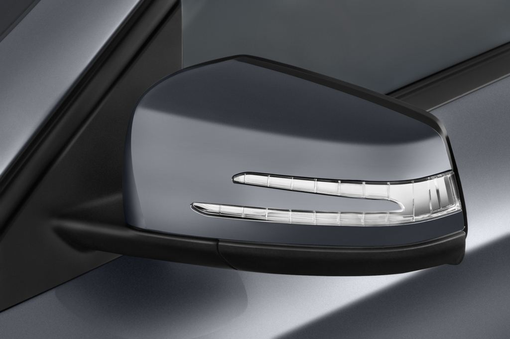Mercedes-Benz GLA AMG SUV (2013 - heute) 5 Türen Außenspiegel