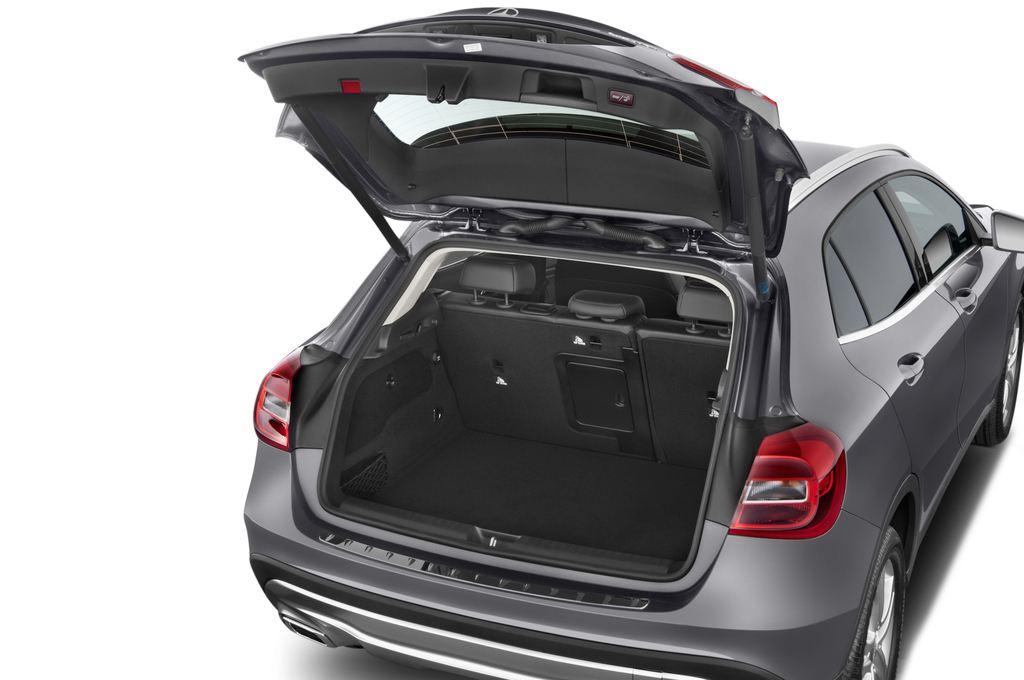 Mercedes-Benz GLA Urban SUV (2013 - heute) 5 Türen Kofferraum