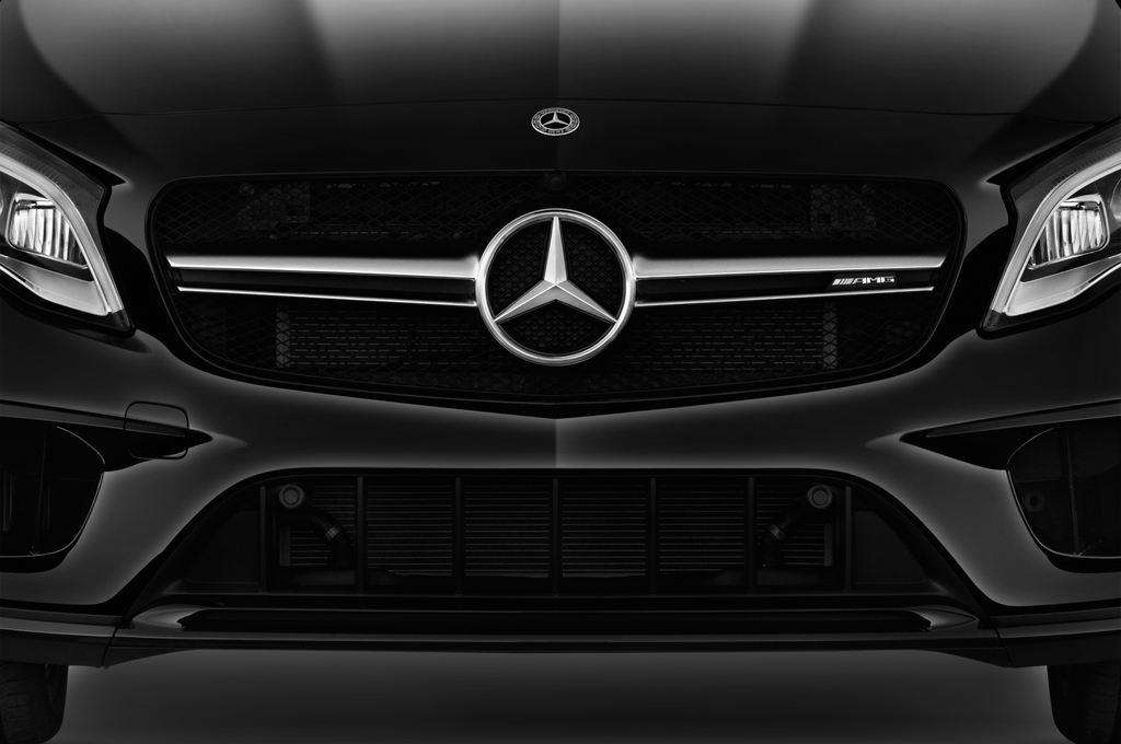 Mercedes-Benz GLA AMG 45 SUV (2013 - heute) 5 Türen Kühlergrill und Scheinwerfer