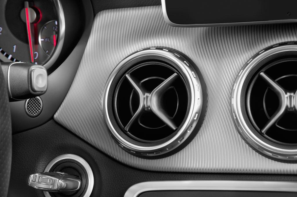 Mercedes-Benz GLA Urban SUV (2013 - heute) 5 Türen Lüftung