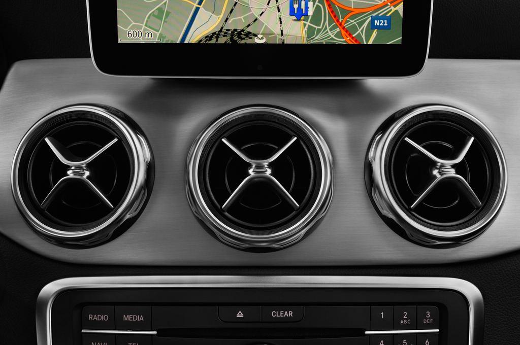 Mercedes-Benz GLA AMG Line SUV (2013 - heute) 5 Türen Lüftung
