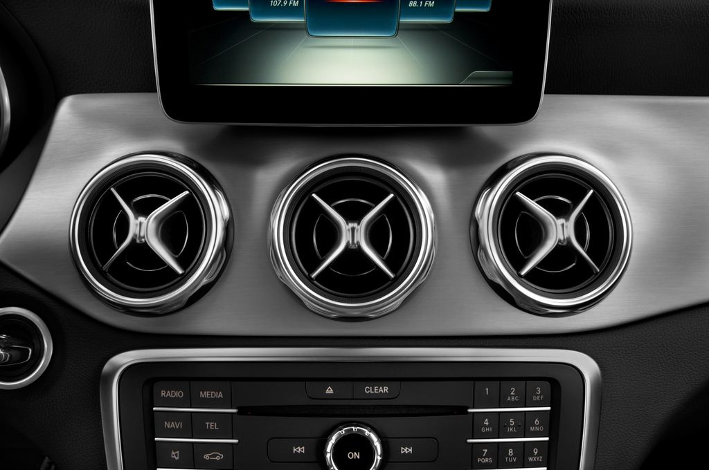 Mercedes-Benz GLA - SUV (2013 - heute) 5 Türen Lüftung