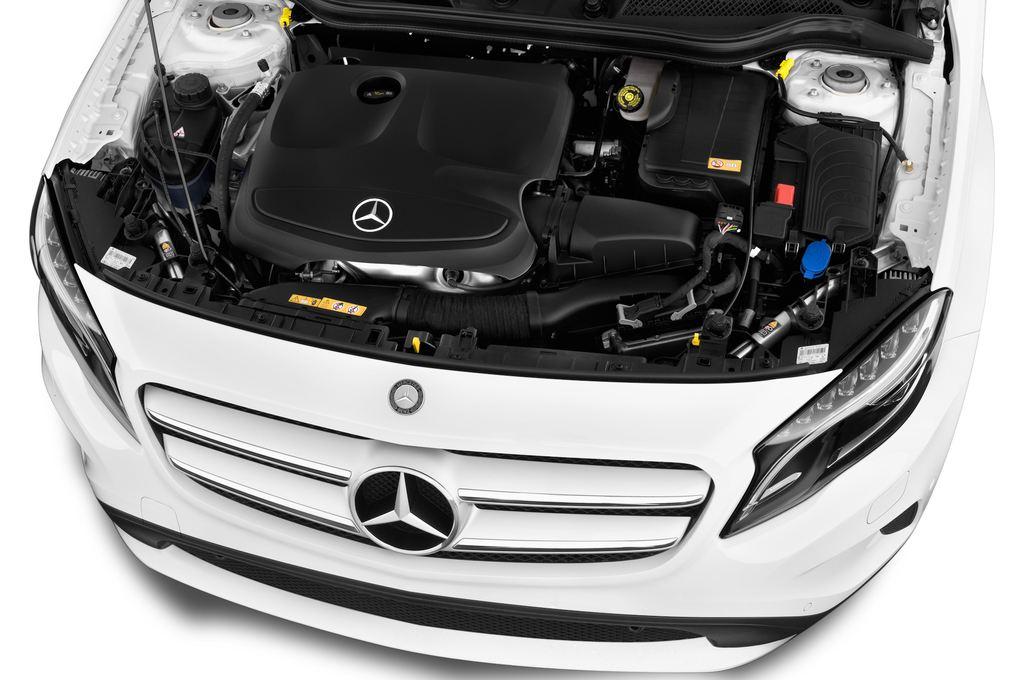 Mercedes-Benz GLA STYLE SUV (2013 - heute) 5 Türen Motor