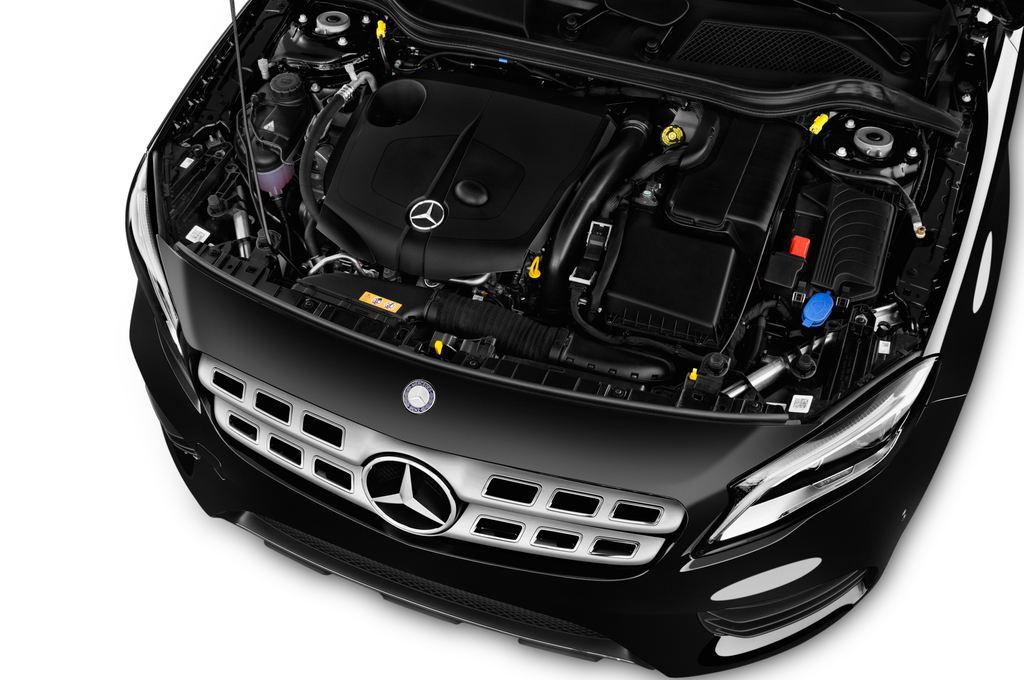Mercedes-Benz GLA AMG Line SUV (2013 - heute) 5 Türen Motor