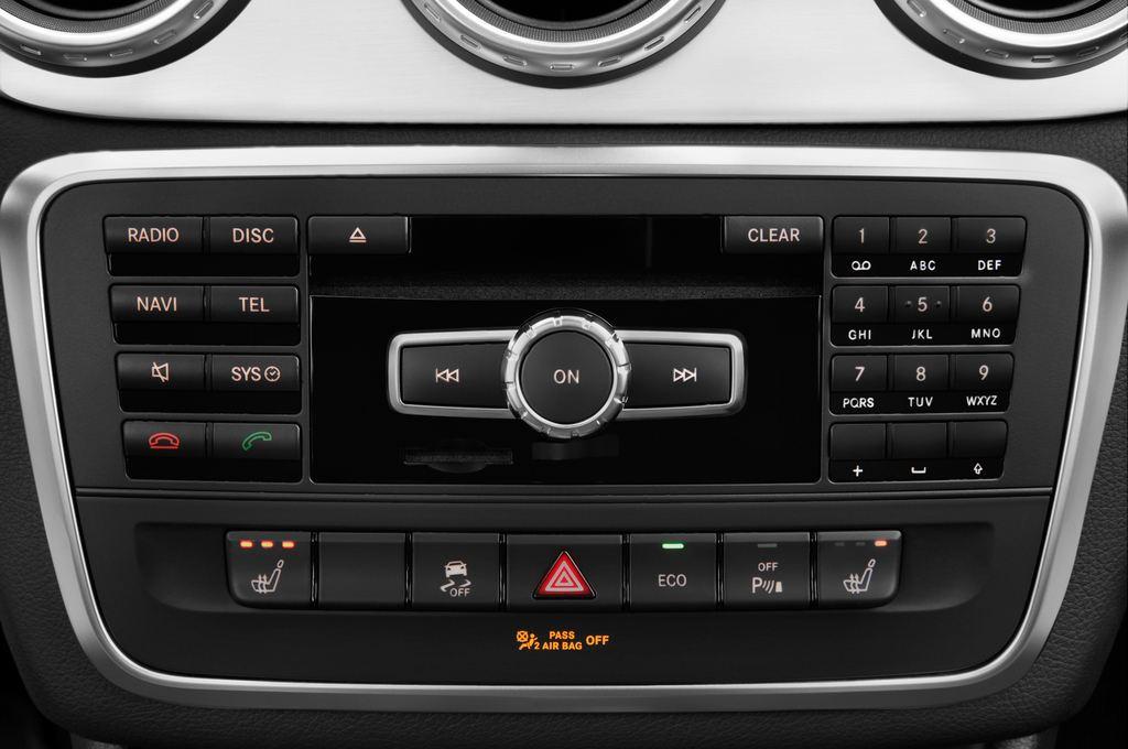 Mercedes-Benz GLA AMG SUV (2013 - heute) 5 Türen Radio und Infotainmentsystem