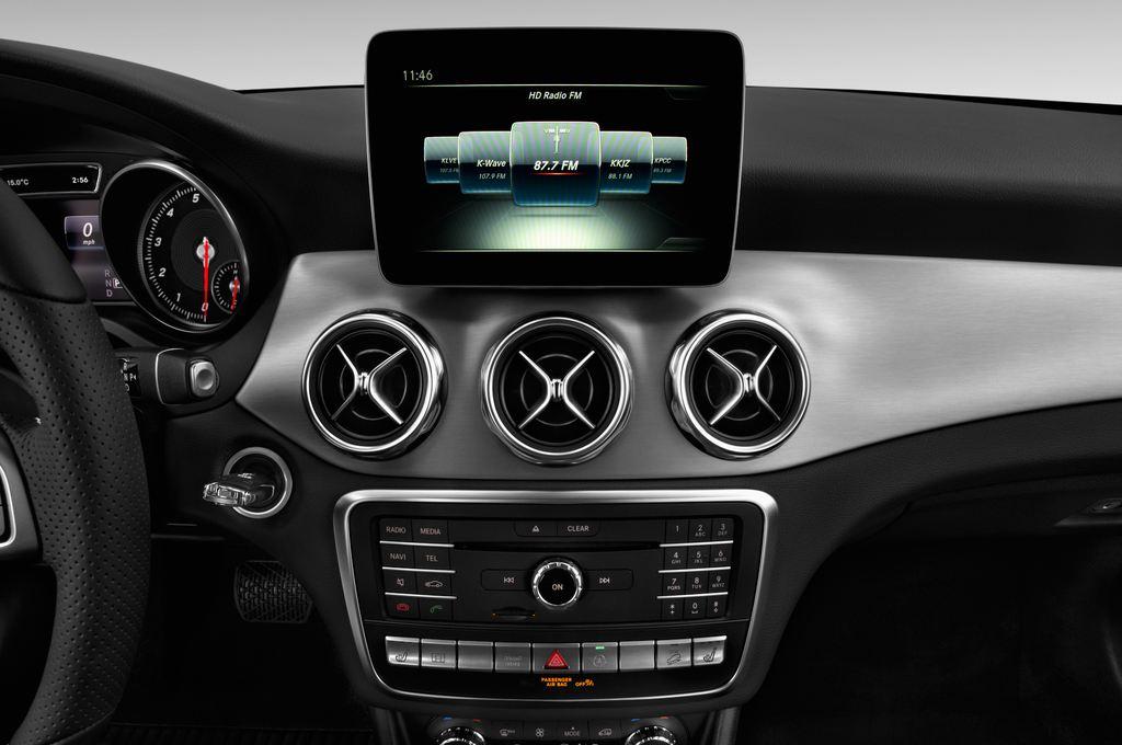 Mercedes-Benz GLA - SUV (2013 - heute) 5 Türen Radio und Infotainmentsystem