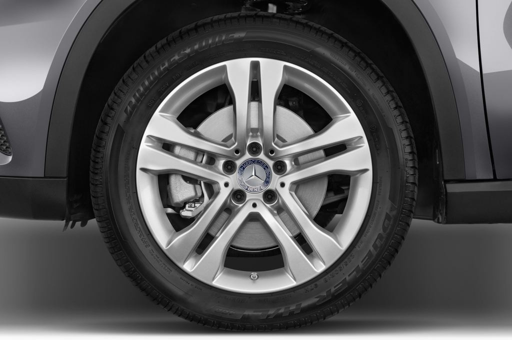 Mercedes-Benz GLA Urban SUV (2013 - heute) 5 Türen Reifen und Felge