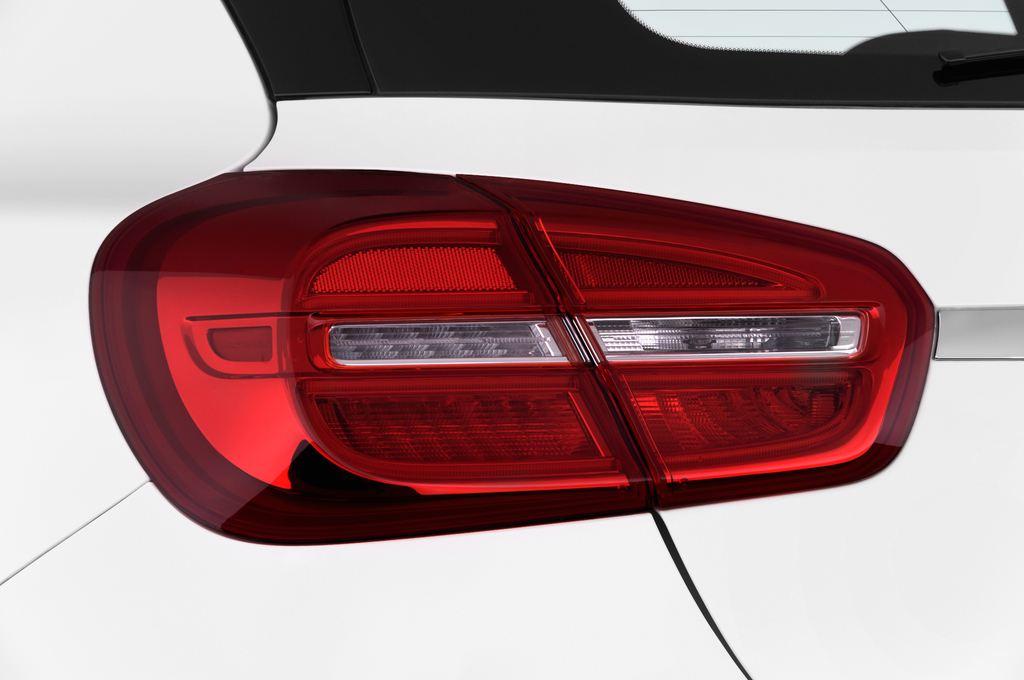 Mercedes-Benz GLA STYLE SUV (2013 - heute) 5 Türen Rücklicht